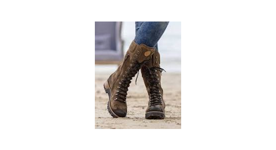My pick of the best ladies motorcycle boots by Biker Kaz